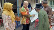 Penyerahan Akta Kematian a.n Ibu Etik Suwarni Jl. Sukokaryo Madiun oleh Kepala Dinas Dukcapil Kota Madiun.